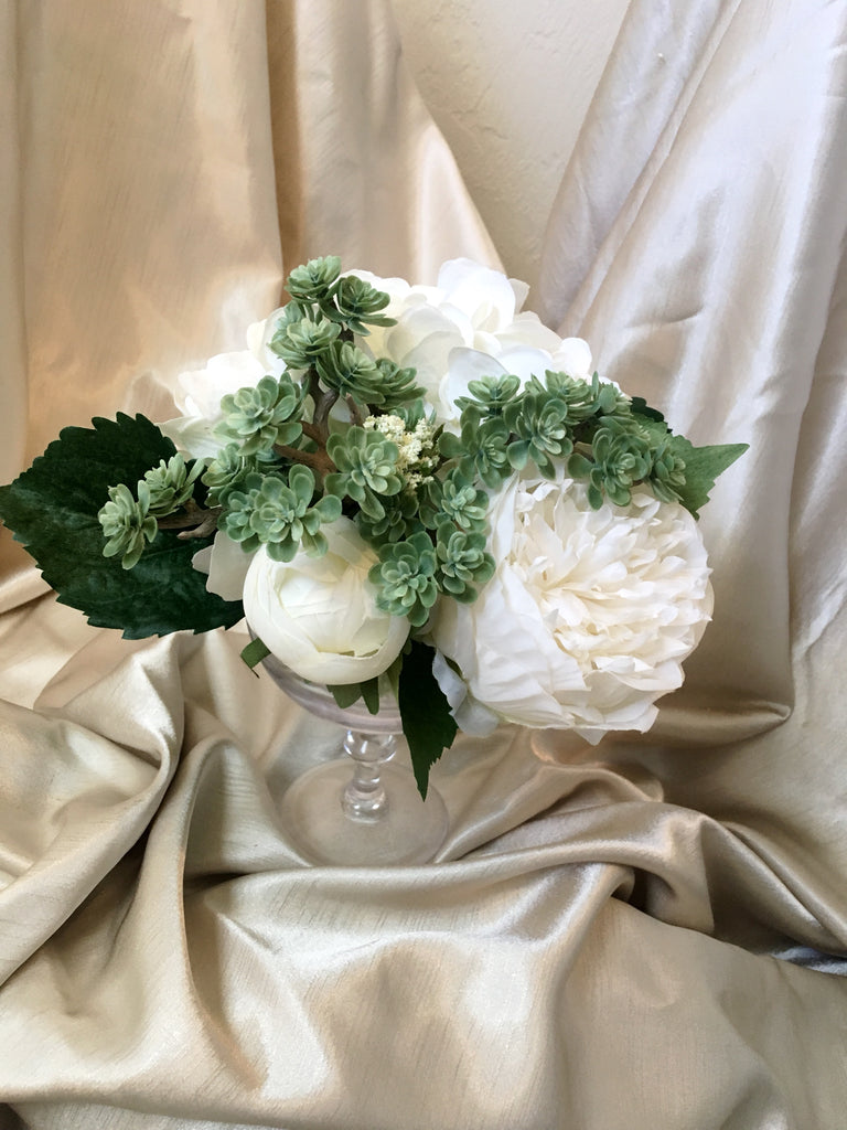 Addison White and Ivory Wedding Table Centerpiece