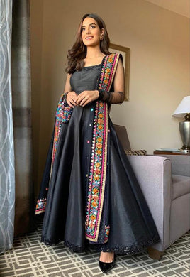 Black Color Party Wear Taffeta Silk Material Designer Embroidar Work Gown
