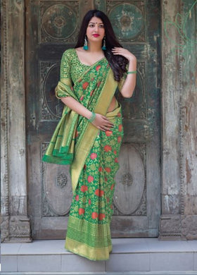 Green Attractive Disgner Women's Banarasi Silk Saree With Blouse Piece