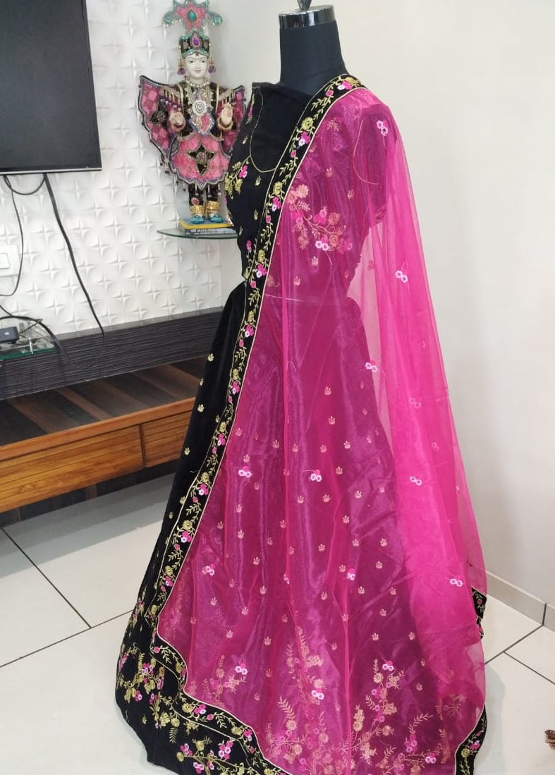 c50bd37bf1 Pretty Black Colour Tapeta Velvet Lehenga – SAREEU™