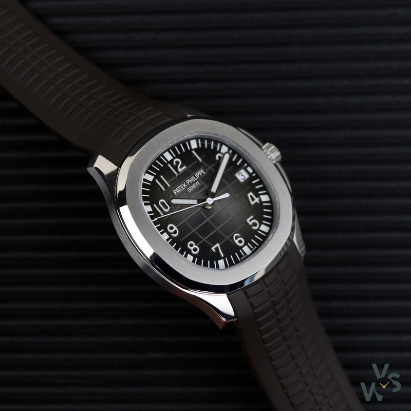 2019 Patek Philippe Aquanaut Stainless Steel (Rubber strap deployant clasp and Patek bracelet) 5167/1A-001 - Vintage Watch Specialist
