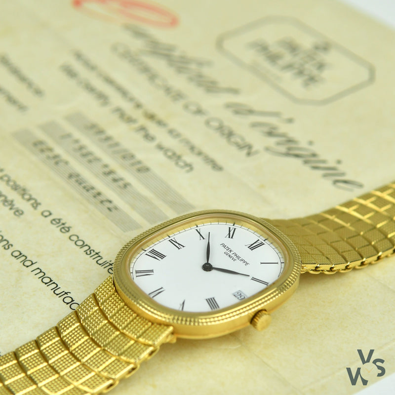 Vintage Patek Philippe Ellipse 18K Gold Unisex Watch With 'Hobnail' Bezel and Integral 'Hobnail' Bracelet - Ref 3931/010 - c. 1989. -