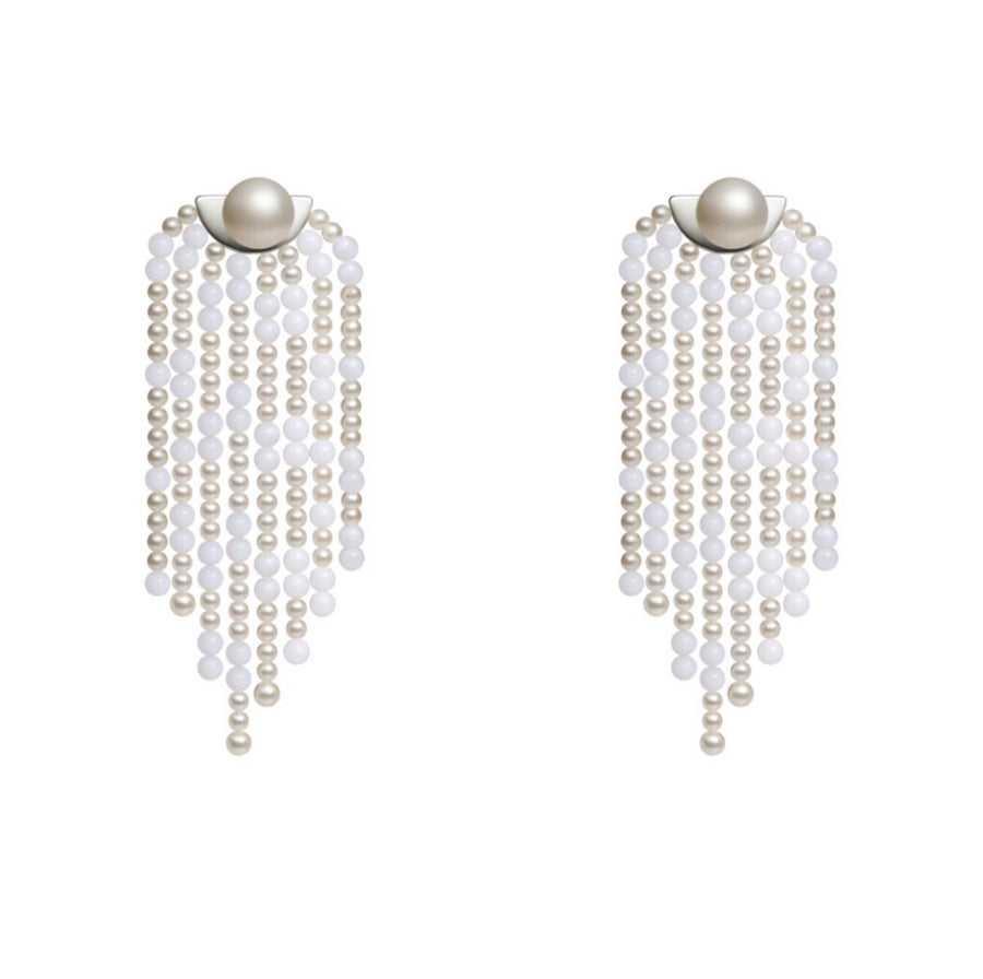 The Tasssels Pearls Earrings