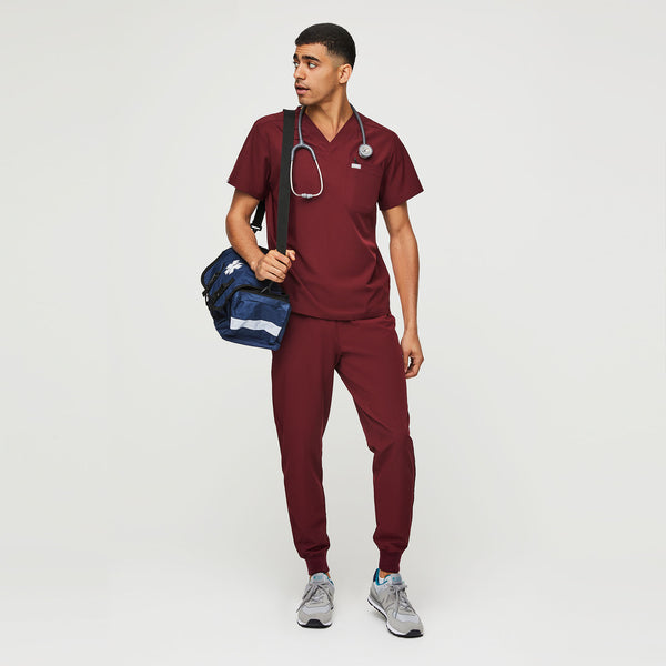 FIONlite™ Leon Two-Pocket Scrub Top