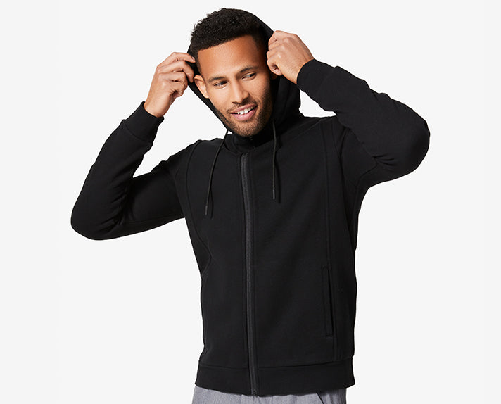 Constructed for the long haul, the Essential Hoodie 2.0 has an athletic silhouette and technical details that will keep you looking sharp wear-after-wear and wash-after-wash. Plus, now it's even cozier than before and has an updated fit and our SuperSoft Sweatshirt fabric.