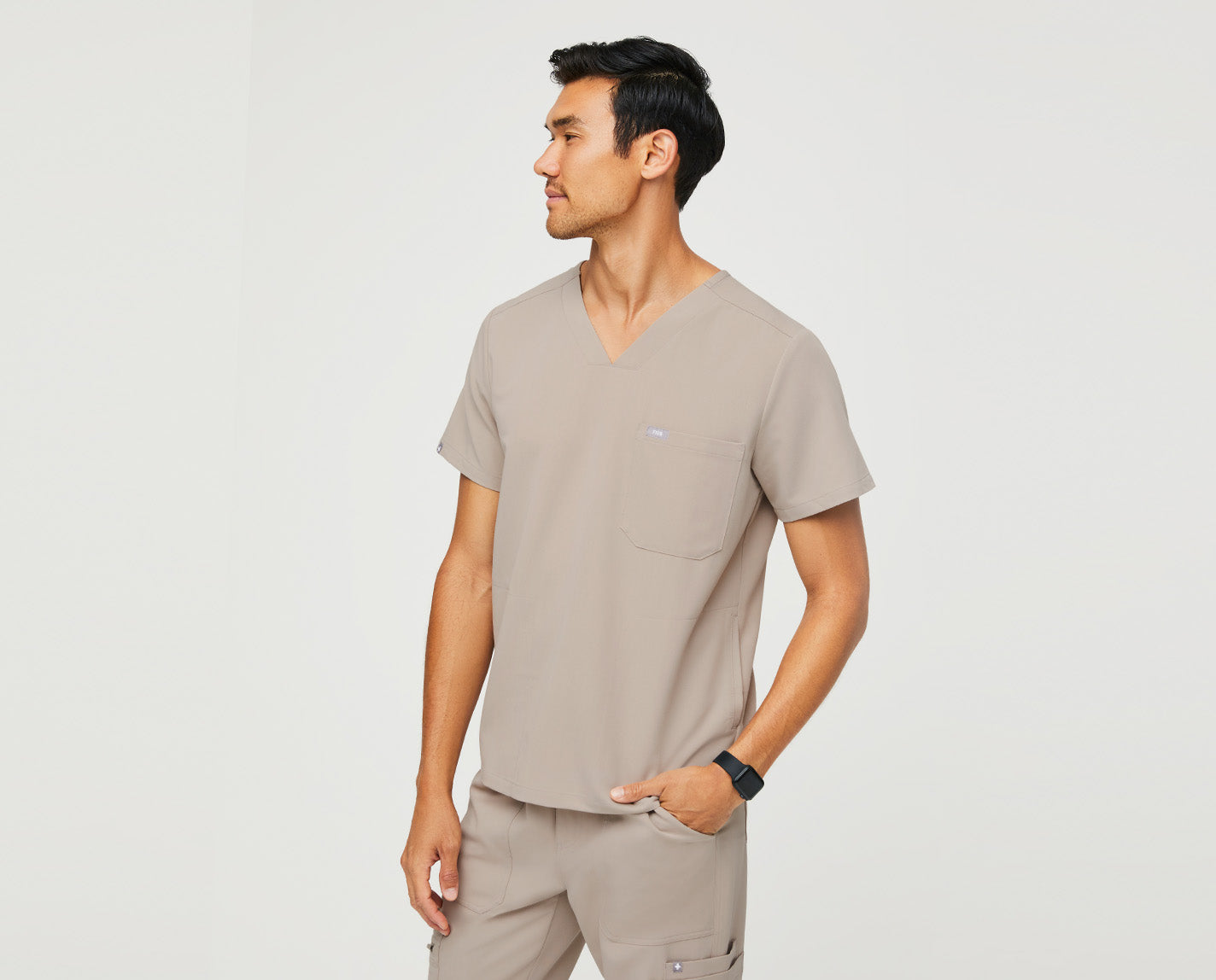 One of our all-time favorites (and yours, too), the tailored-fit Chisec features three pockets' including two ingeniously hidden side seam pockets and our proprietary FIONx fabric.