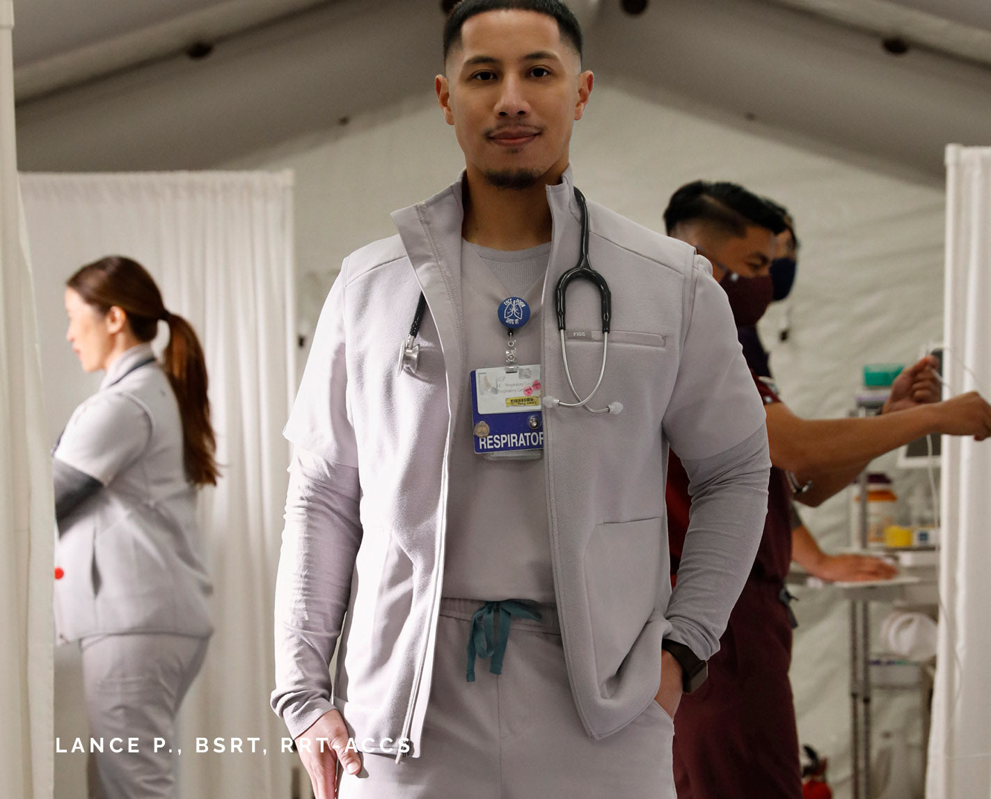 Clear eyes. Warm Core. Can't lose. Our full-zip On-Shift Fleece Vest keeps your core warm without limiting your range of motion. Plus, it features a contrasting front panel and back yoke made from our proprietary FIONx fabric so that it matches your scrubs perfectly.