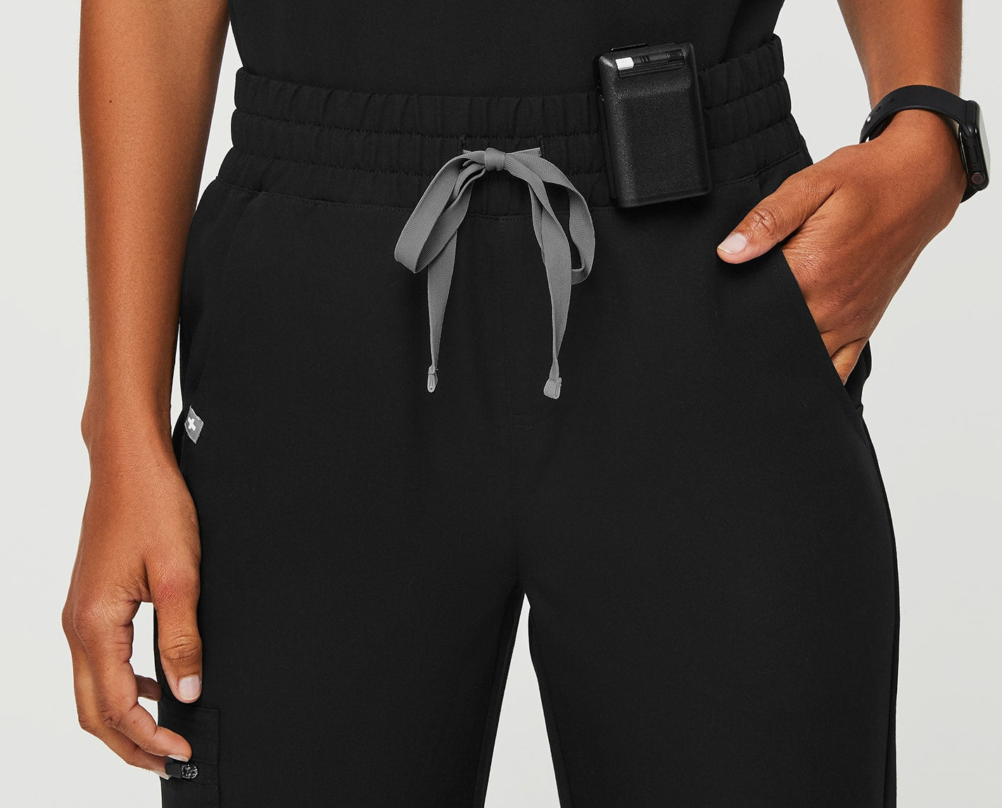 All business meets extreme comfort. Athletically inspired and slightly updated with a high waisted cut, the High Waisted Zamora Jogger is designed with six pockets, a slim fit and our proprietary FIONX fabric.