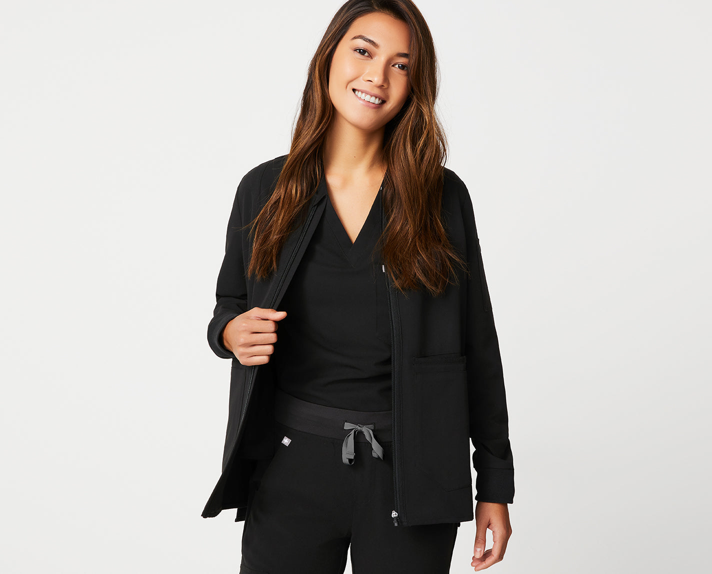 This jacket is — well — the bomb. Made with our proprietary FIONx fabric, Bellery features a bomber-inspired silhouette, side slits for easy movement and tons of functional pockets (seven to be exact!).
