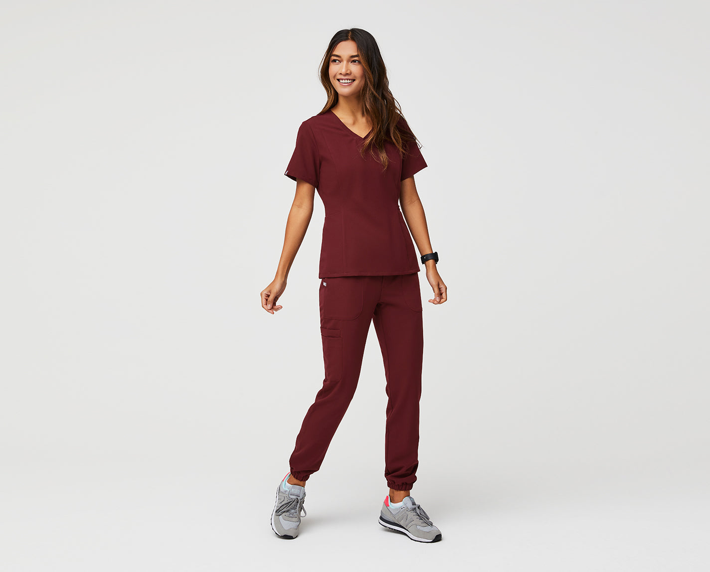 You're basically royalty. The Amapa Slim V-Neck features princess seams for some flattering shape accentuation, while the slim fit and v-neck create a modern look. We also added four pockets for quick and easy access to everything you need (and like) to carry with you all day.