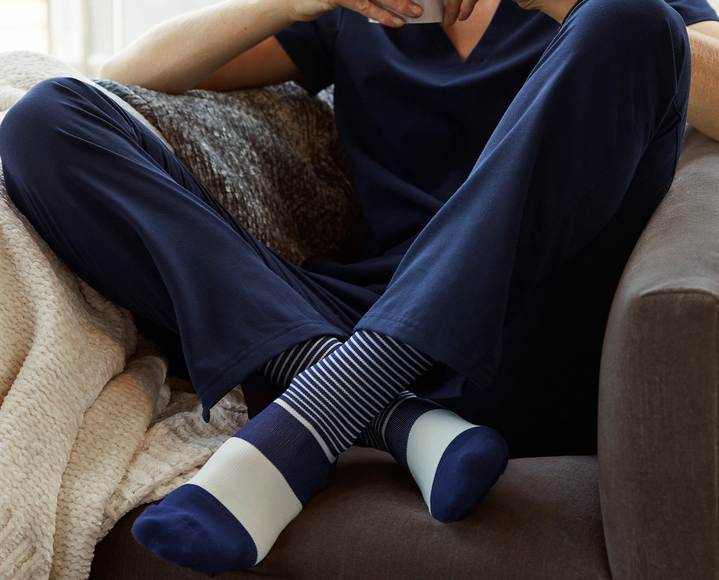 Show your true stripes! Our Navy Double Stripe 100% Awesome Compression Socks conveniently match a whole bunch of your FIGS, plus they help relieve tired and achy legs. They're also breathable and ridiculously soft.