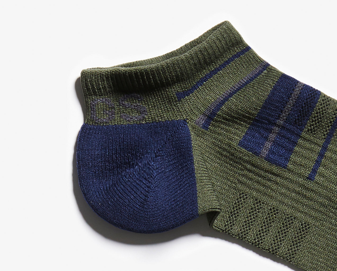 Don't mess with a classic. Our Olive Stripe 100% Awesome Ankle Socks are understated and match 99.9% of your FIGS. Bonus – they feature toe and heel padding, engineered arch support and our proprietary FIONdry moisture-wicking technology; and they're breathable and ridiculously soft.