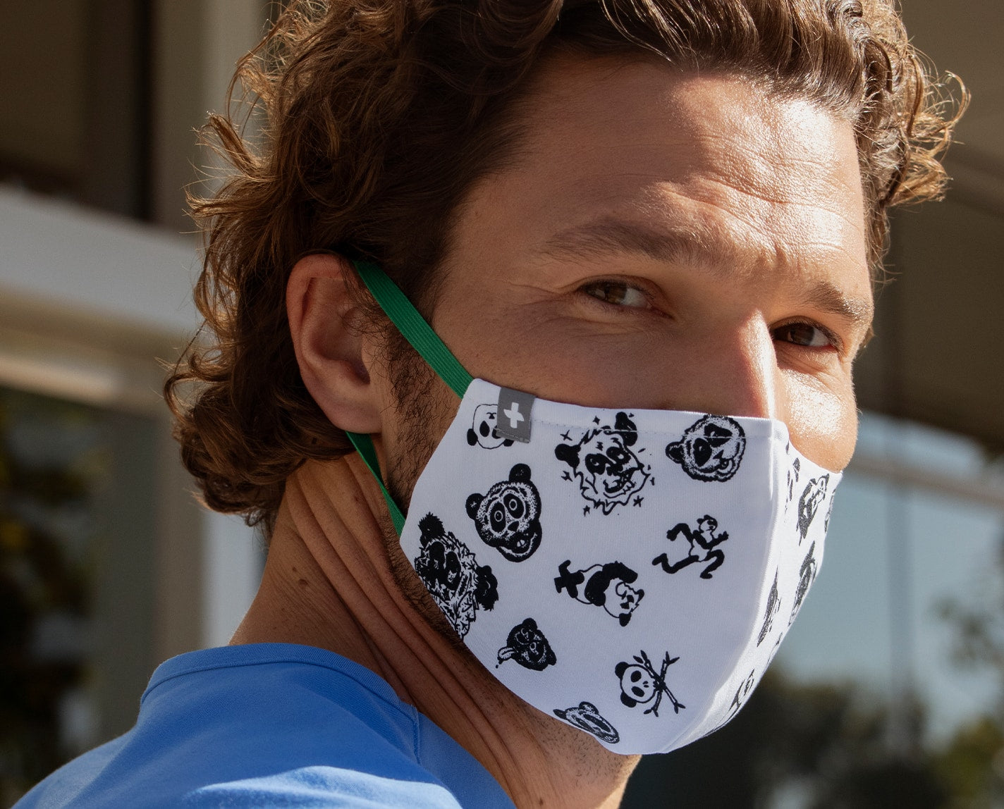 Exclusively designed by contemporary artist Rob Pruitt, this mask benefits the incredible organization RxArt, who's on a mission to help pediatric patients heal through the power of visual art.