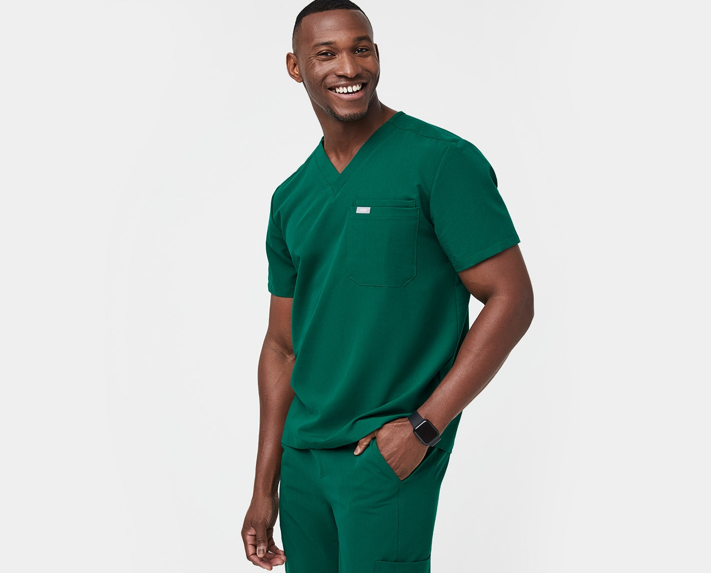 Simple design. Modern edge. Pure performance. The Leon's tailored, lean cut and functional double chest pocket is modern without sacrificing the utility you need to perform at your best. Features our proprietary FIONx fabric.