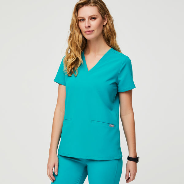 Casma™ Three-Pocket Scrub Top