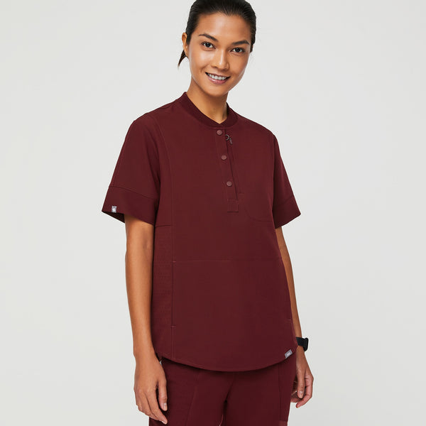 Gidya Relaxed Henley Scrub Top