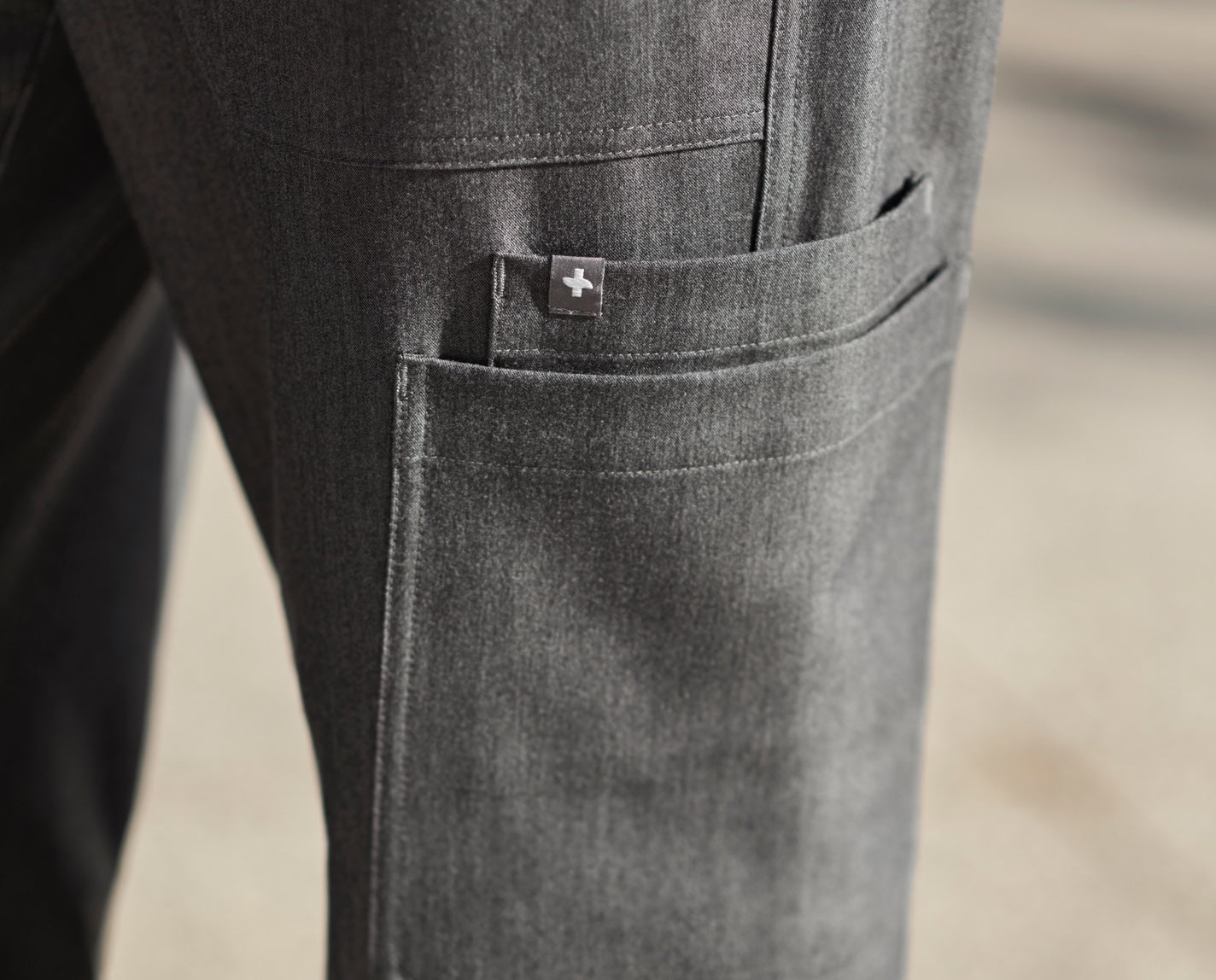 Wearable technology meets workwear. The structured, straight-legged Axim features our proprietary FIONx fabric, seven pockets and a comfy interior drawcord.