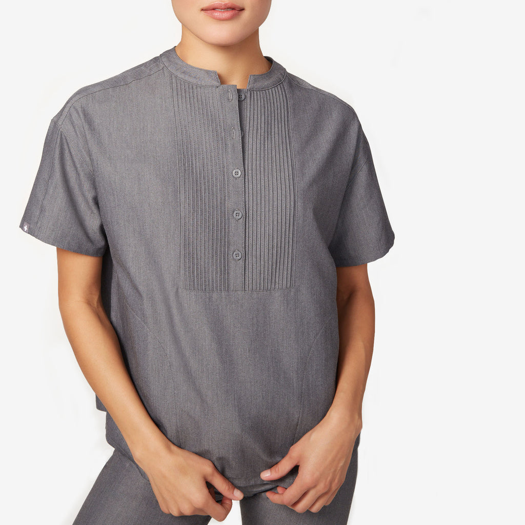 women's Mua - pintuck scrub top