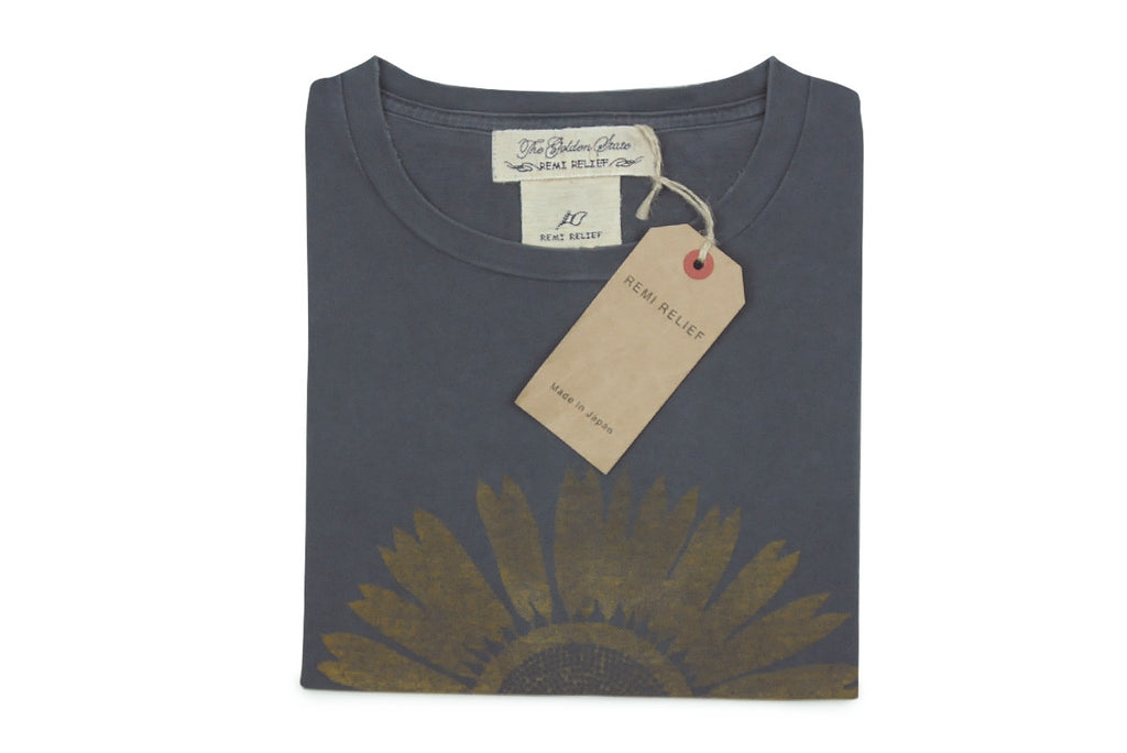 REMI RELIEF-Flower Tee (Charcoal)