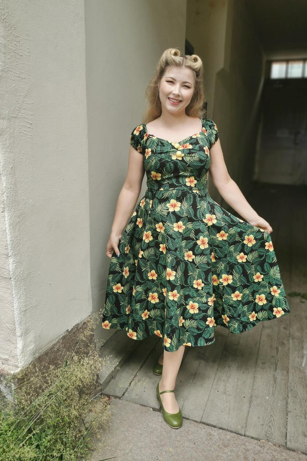 Collectif Swingkjole 50-talls Dolores Doll Tropical Hibiscus grønn