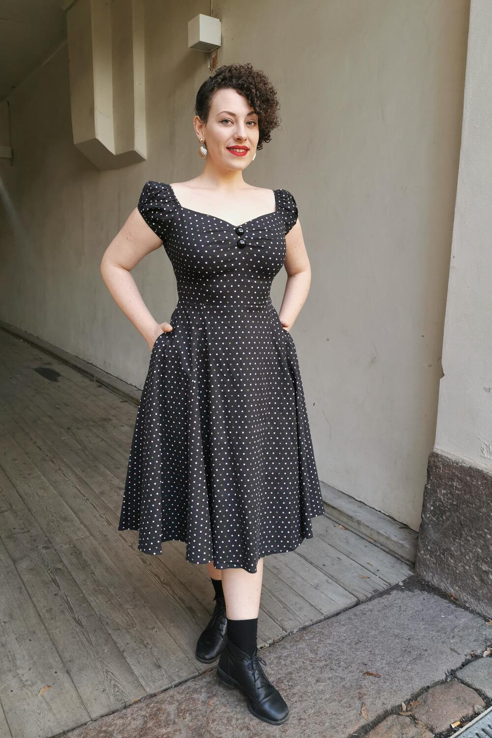 Collectif Swingkjole 50-talls Dolores Doll polkadot sort
