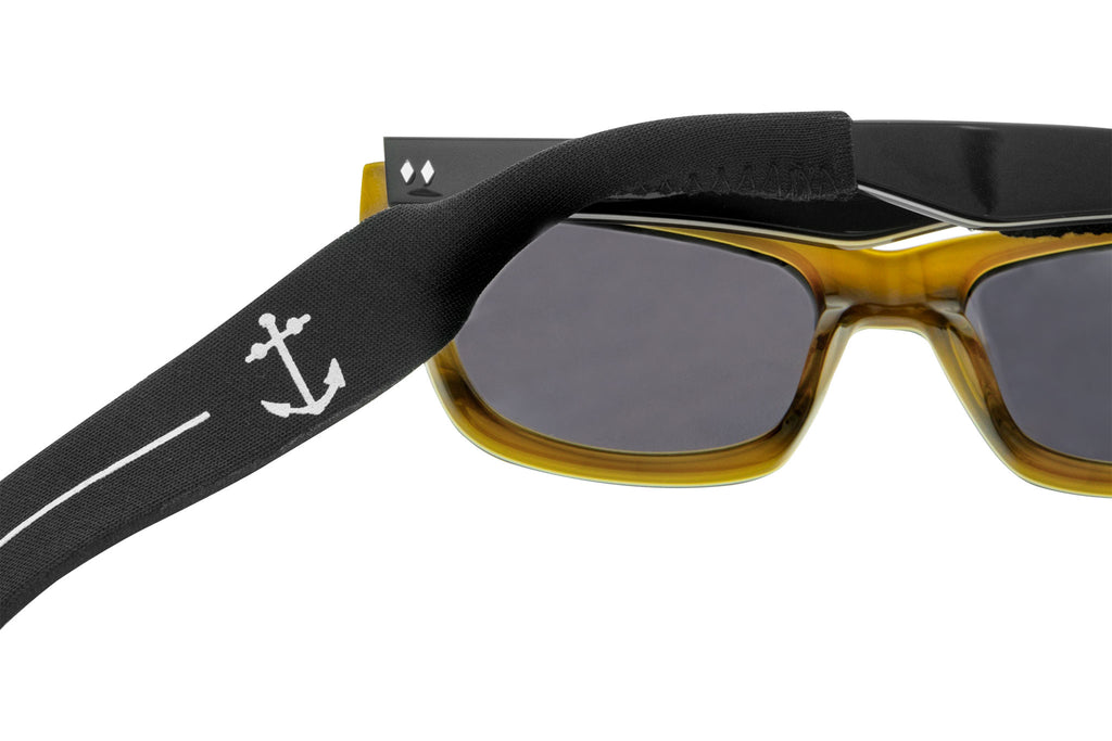Tres Noir Sunglass Strap On Glasses