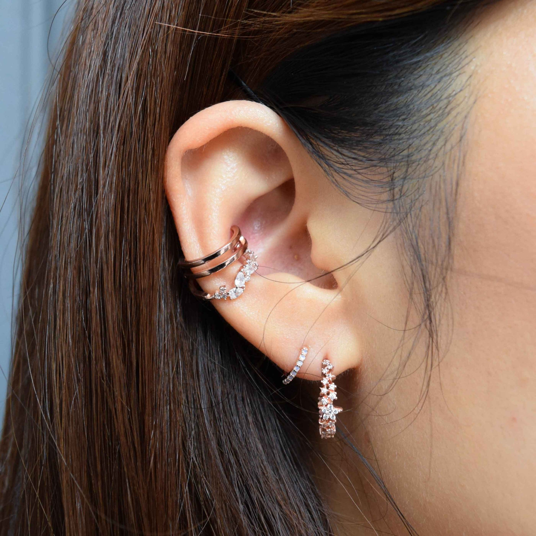 Teardrop Gem Conch Hoop in Rose Gold worn with ear cuff