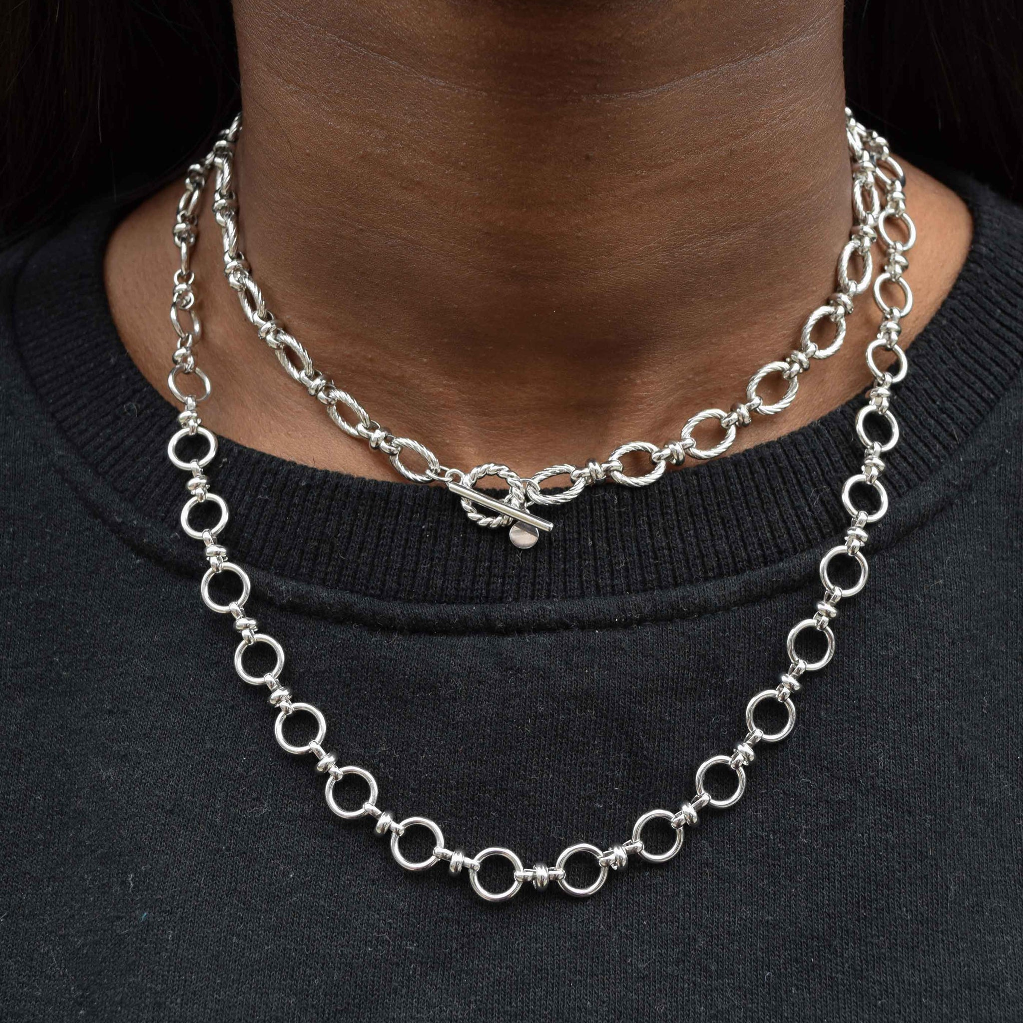 Textured Oval Link T-Bar Necklace in Silver