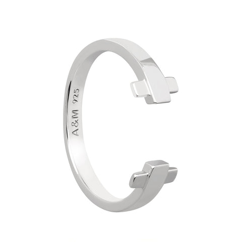 Silver crossing lines locking ring