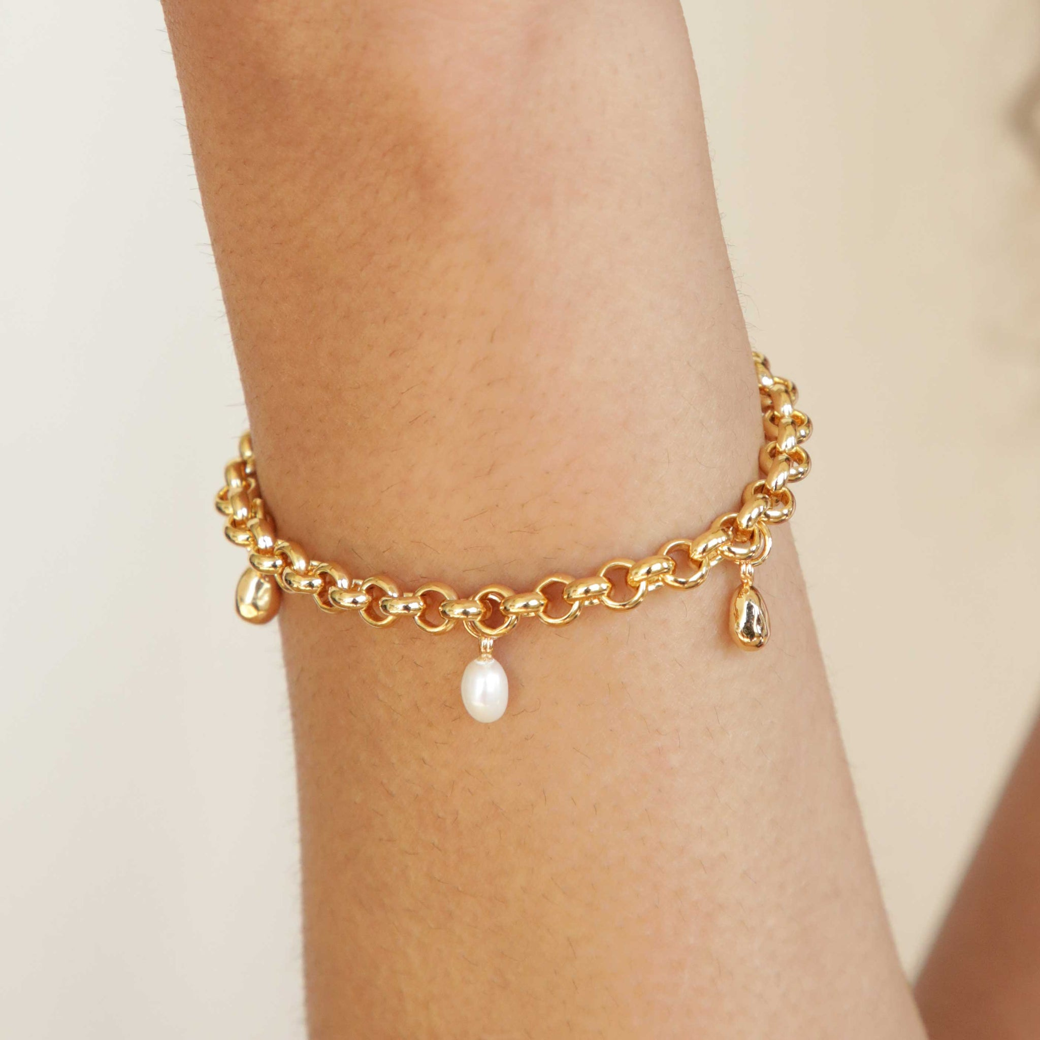 Illume Pebble Charm Bracelet in Gold