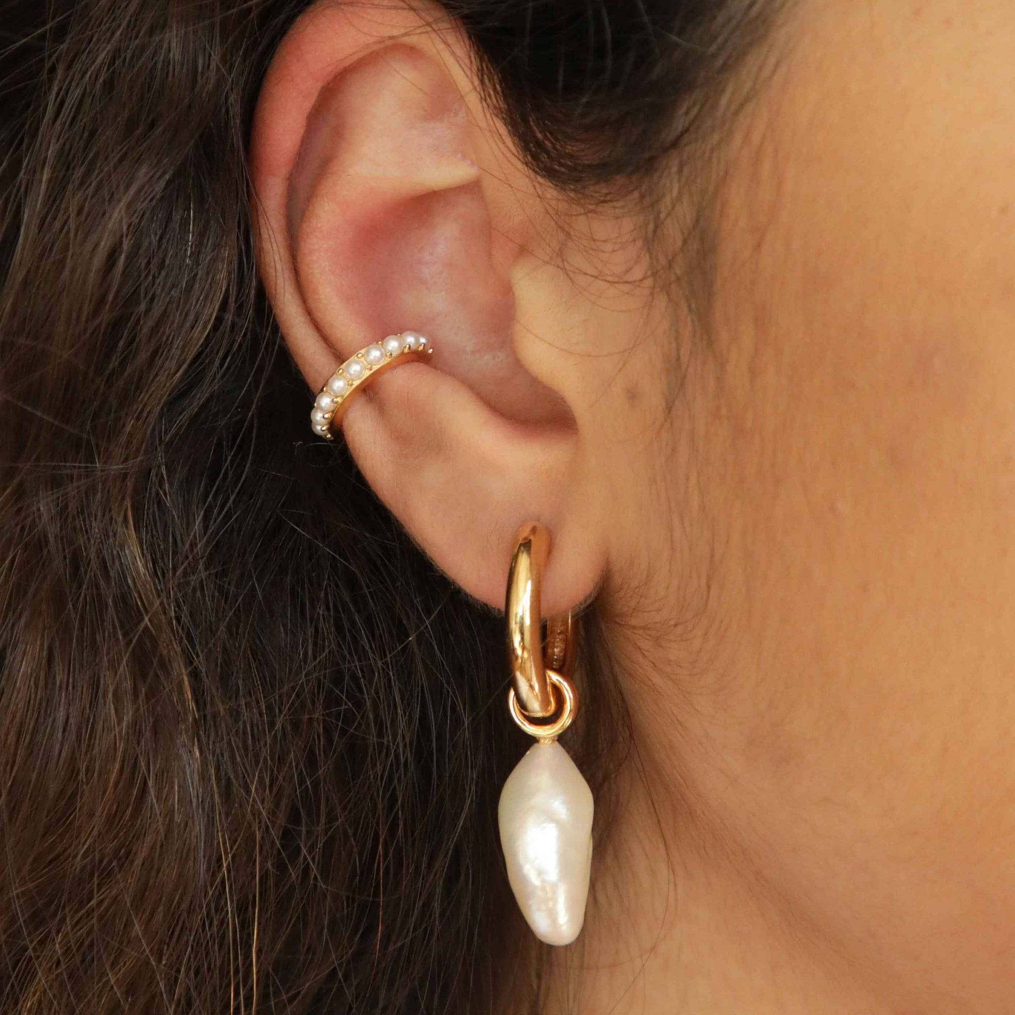 Illume Pearl Hoops in Gold