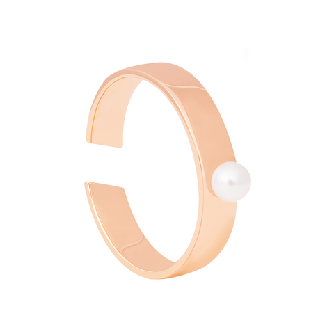 Pearl Signet Ring in Rose Gold