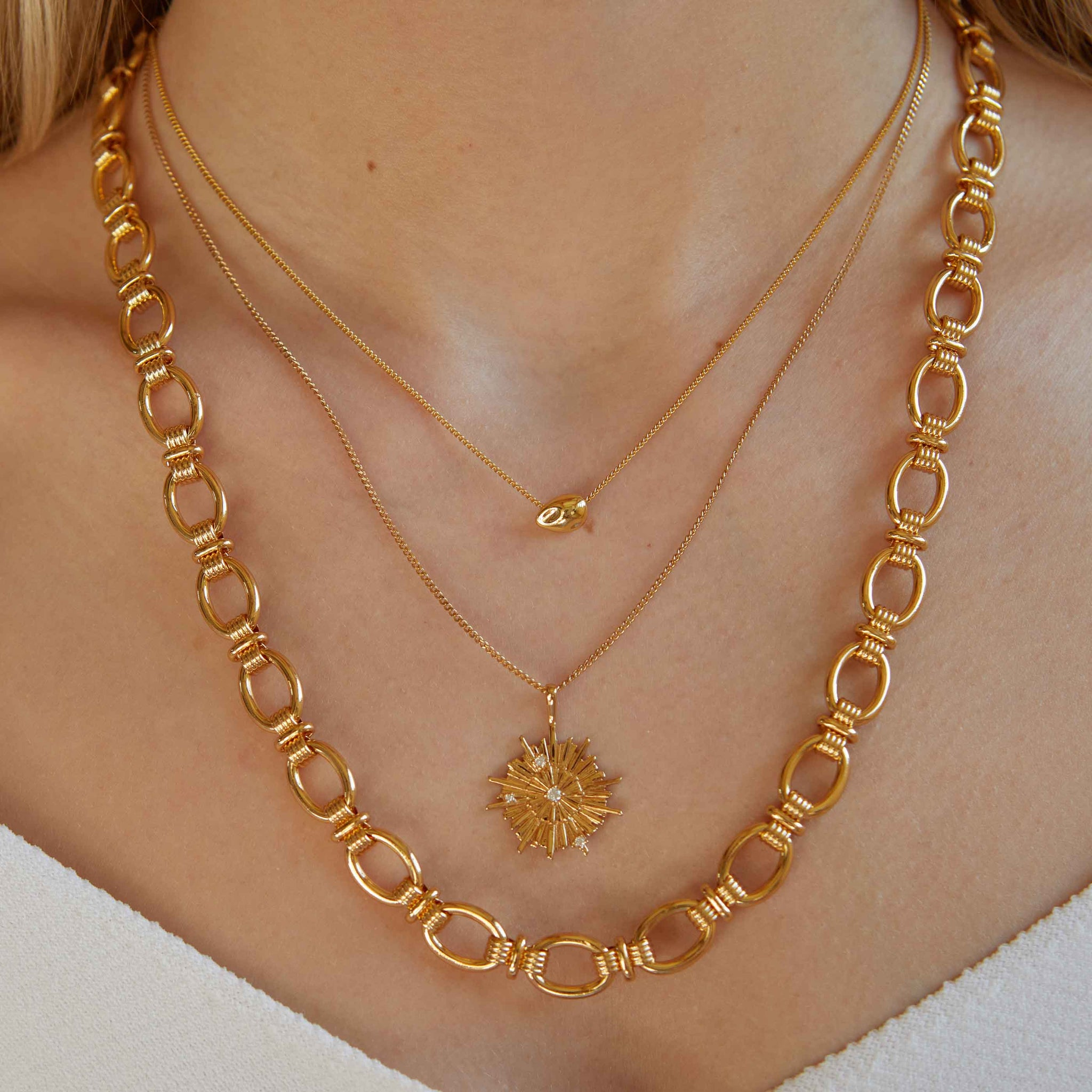 Ribbed Link Chain Necklace in Gold