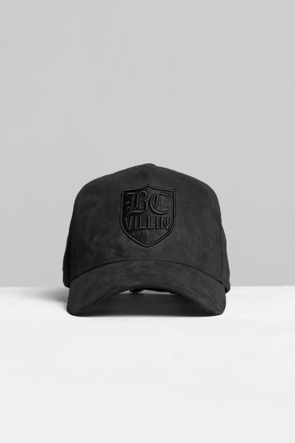 Villin Suede Aframe strapback Black on Black