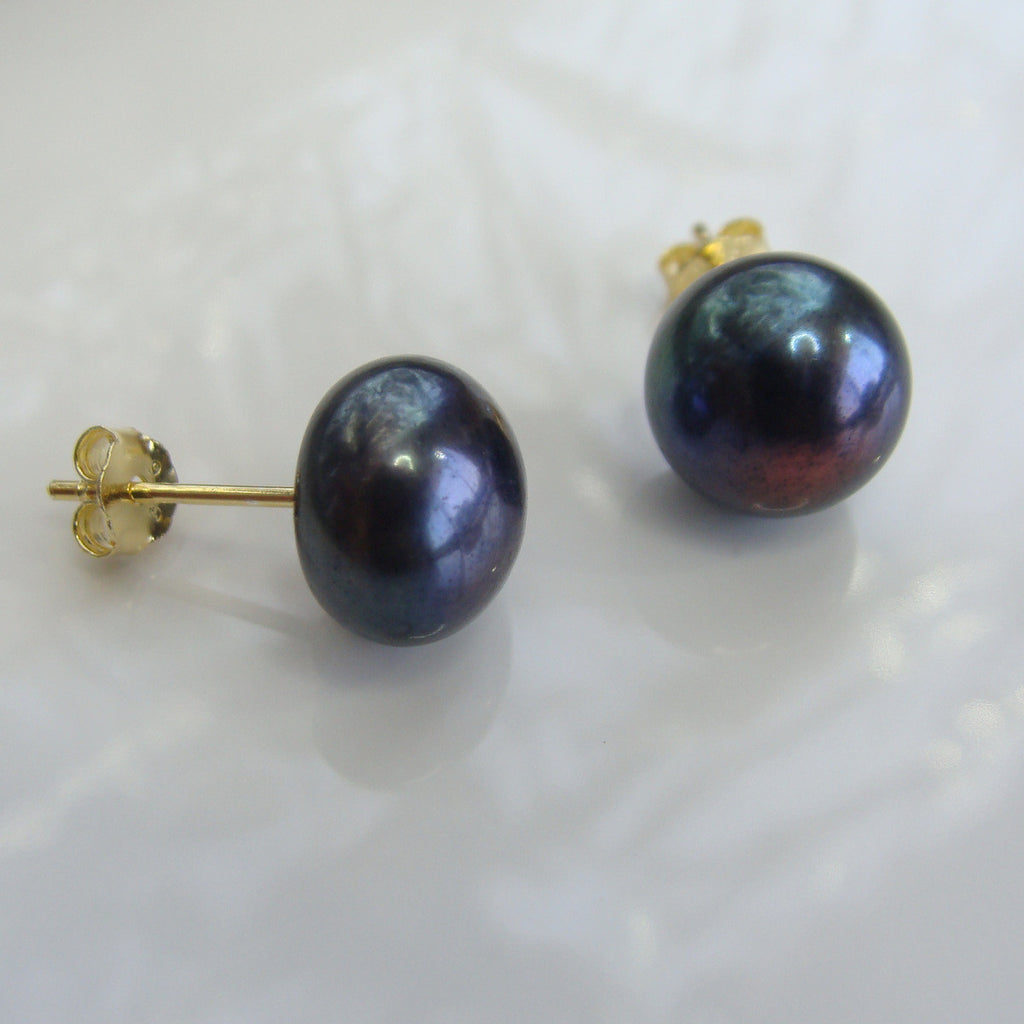 Cultured Black Pearl Stud Earrings gold