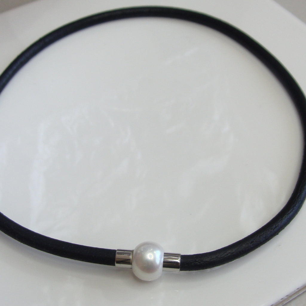 Leather Cultured Pearl Necklace with Magnetic Clasp