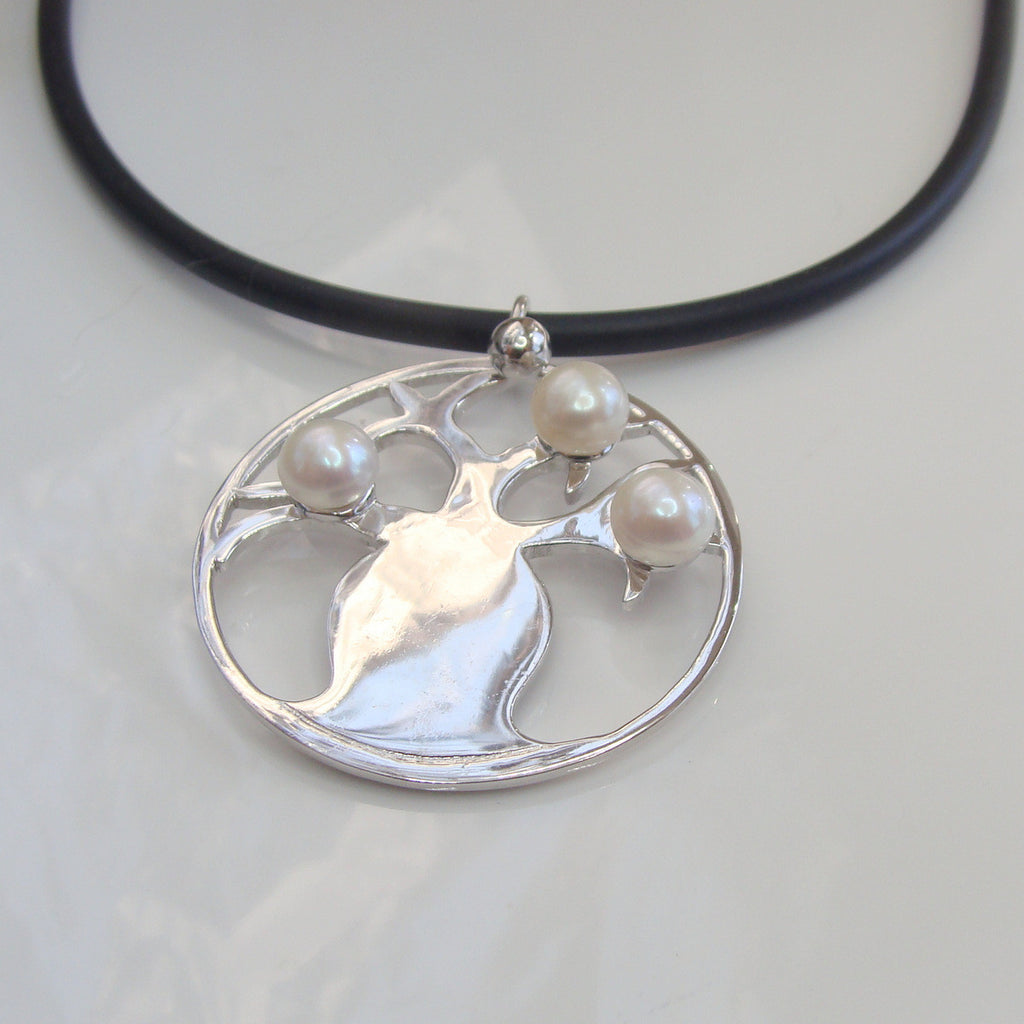 Boab Tree Pearl Pendant Round Sterling Silver