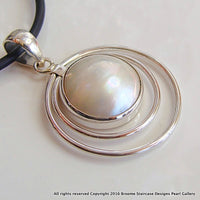 Cultured Pearl Mabe Pendant with 2 Hoops