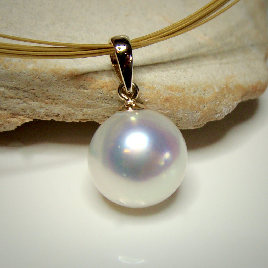 9ct Golden Broome Pearl Pendant