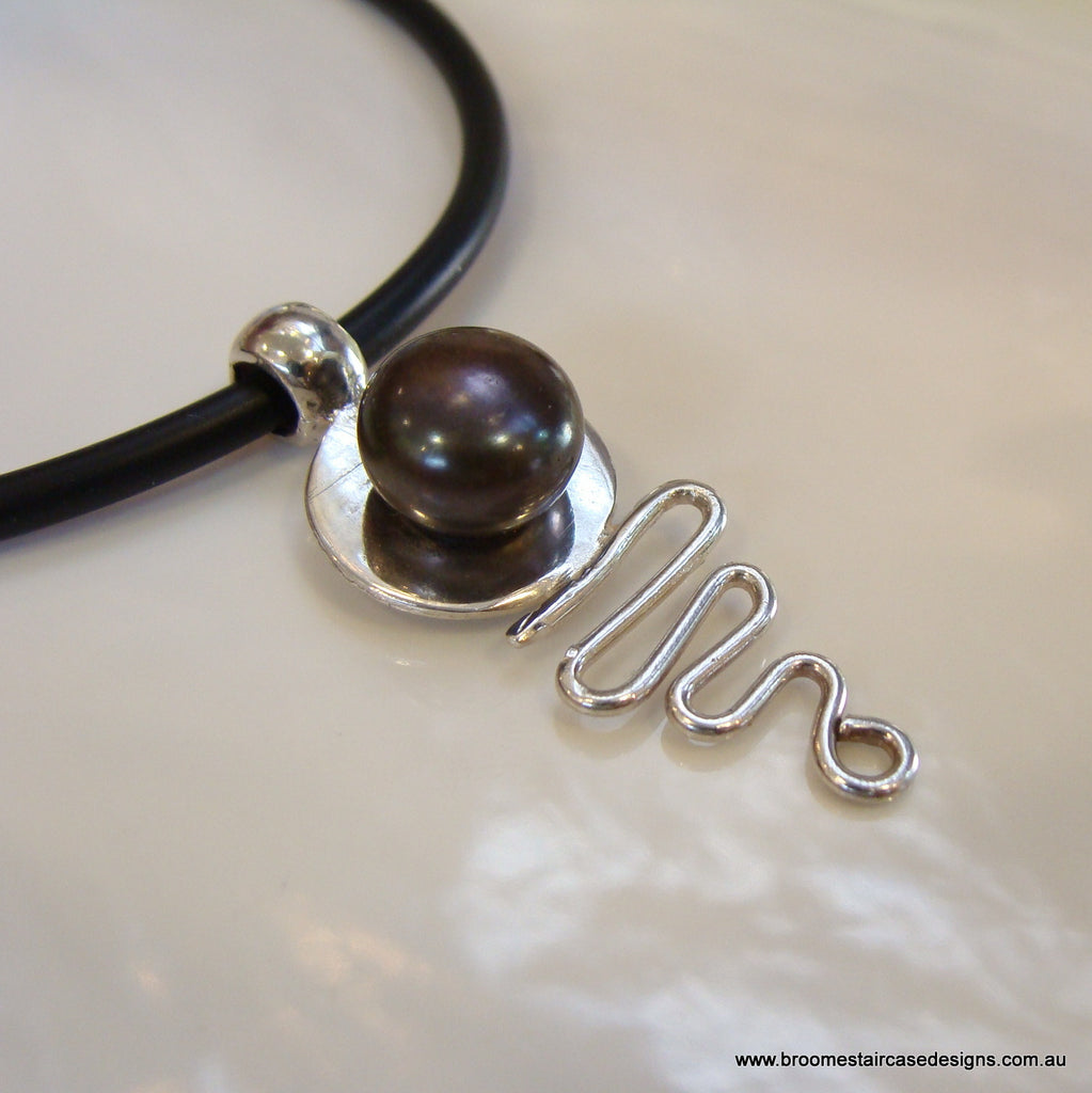 Pearl Pendant Cable Beach Staircase to the Moon (blk) **FREE NEOPRENE NECKLACE! - Broome Staircase Designs Pearl Gallery