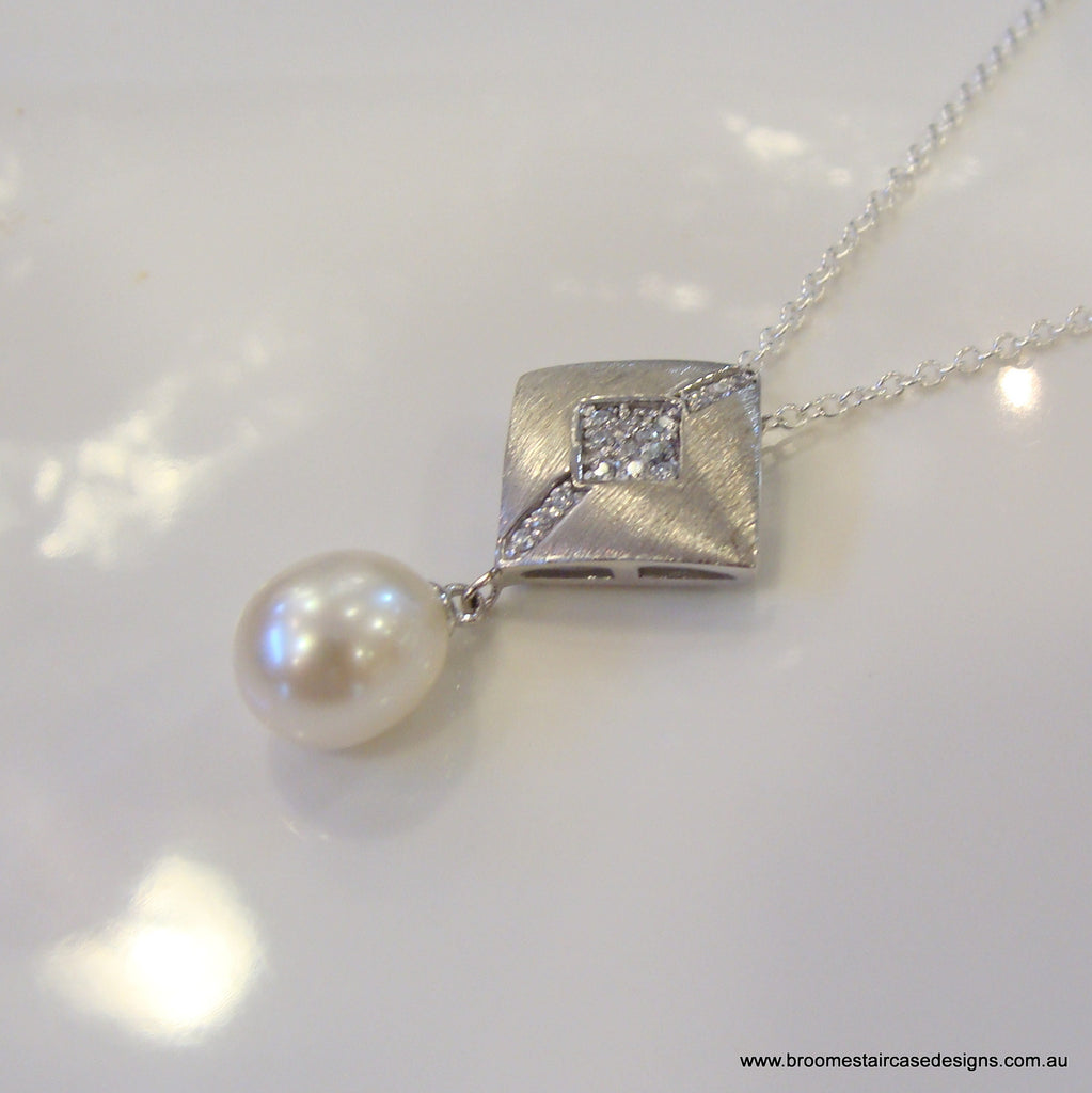 Freshwater Pearl & Cubic Zirconia Pendant - Broome Staircase Designs Pearl Gallery