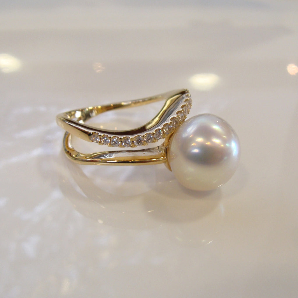 Broome Pearl & Diamond Staircase Ring 18cty - Broome Staircase Designs Pearl Gallery - 1