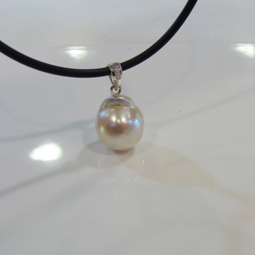 Baroque Pearl Pendant - Broome Staircase Designs Pearl Gallery