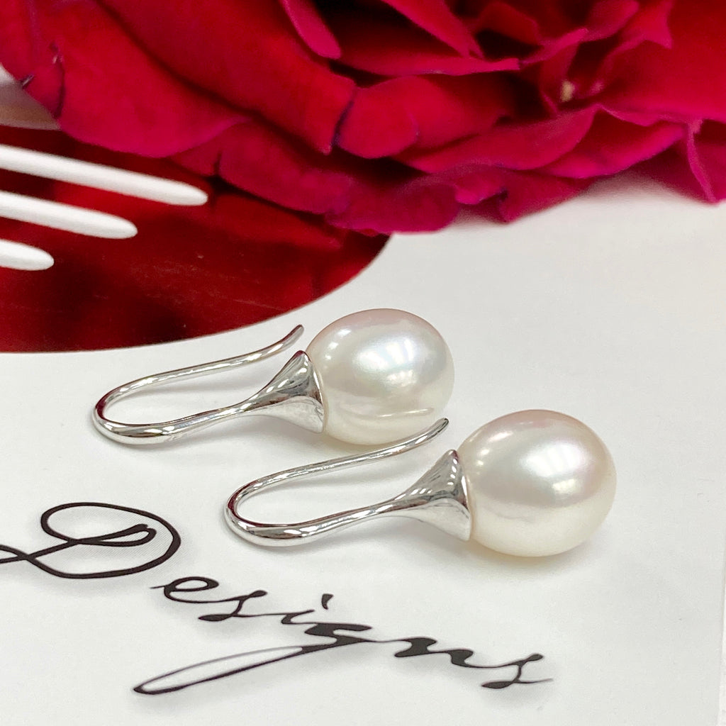 9ct White Gold Trumpet Style Pearl Earrings