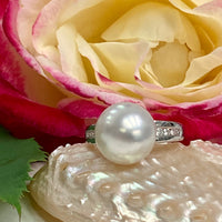 Broome Pearl Ring 18ct White Gold