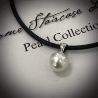 Broome Pearl Pendant 9ct white Gold Bail