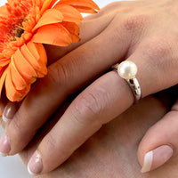 Cultured Freshwater Pearl and 6 x CZ Ring