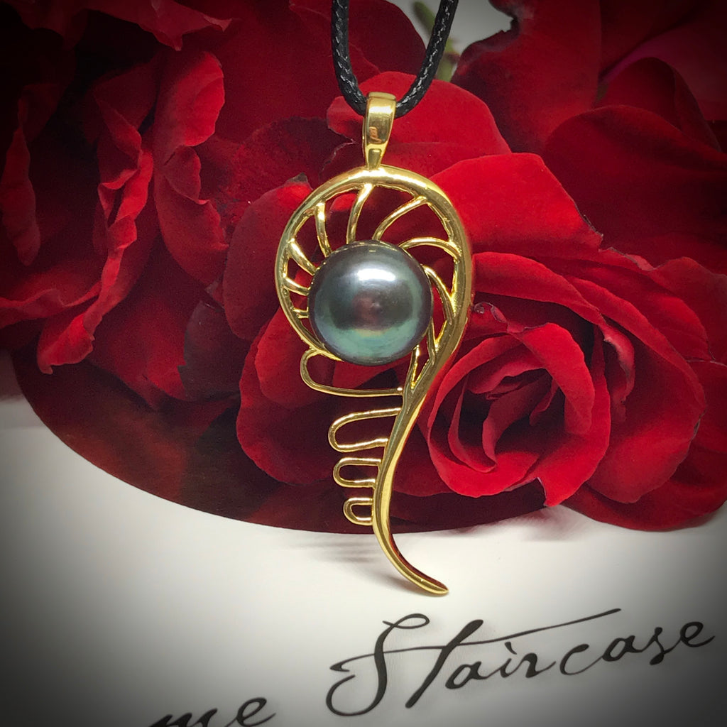 Cultured Freshwater Black Pearl Staircase Pendant Mangrove Gold