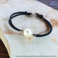 Shell Based 14mm Pearl Leather Black Bracelet