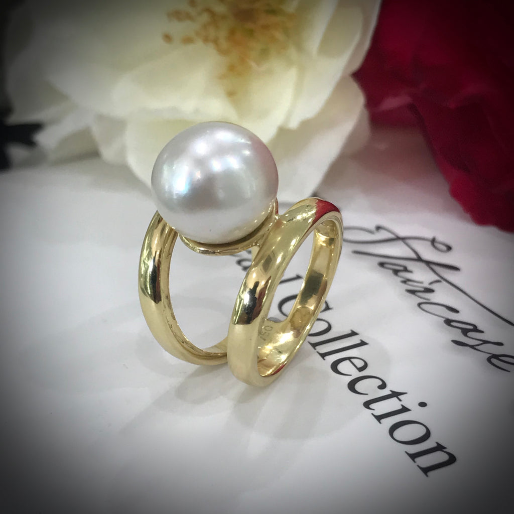 18ct Gold Double Band Broome Pearl Ring